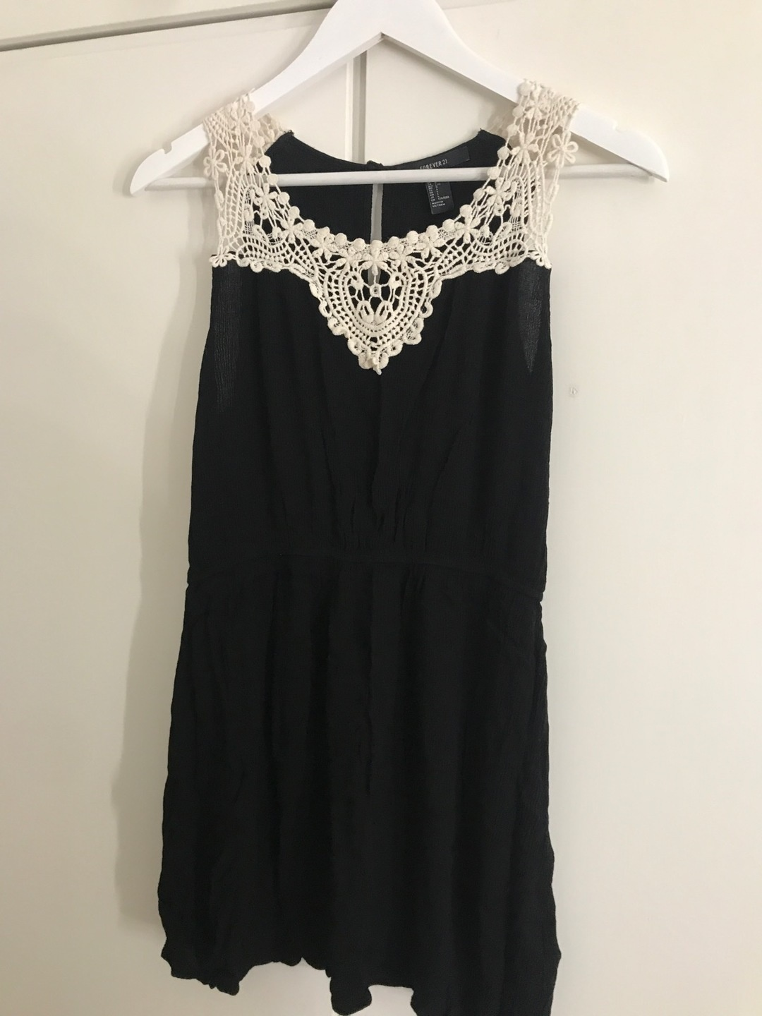 Women's dresses - FOREVER 21 photo 1