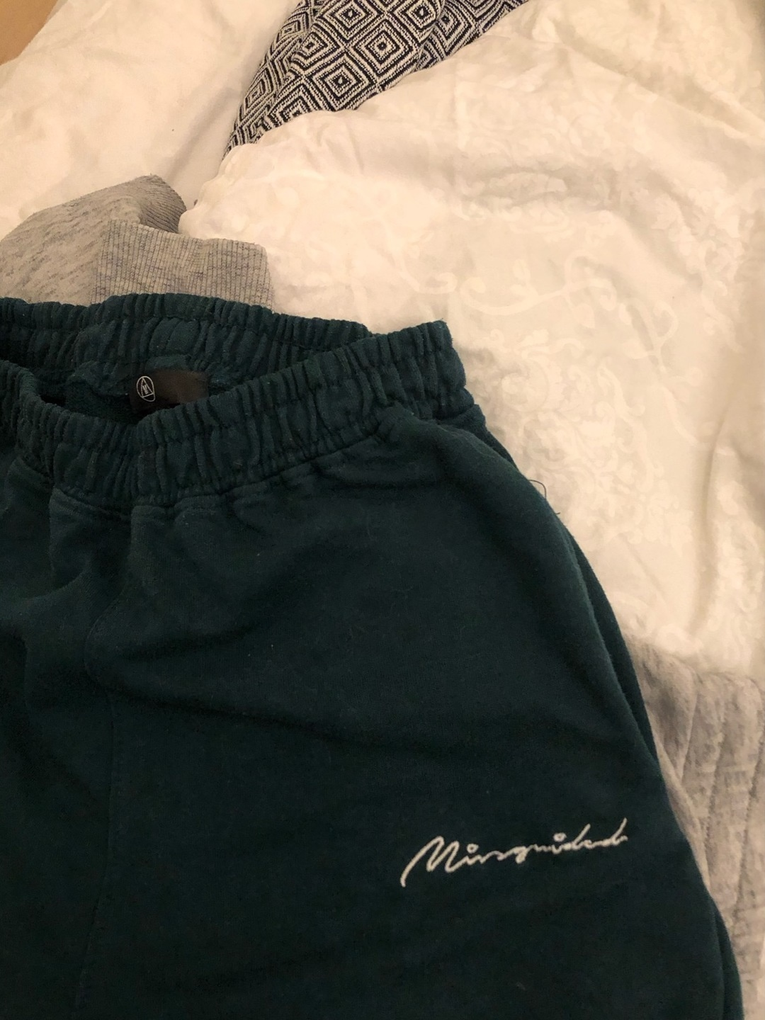 Women's trousers & jeans - MISSGUIDED photo 2