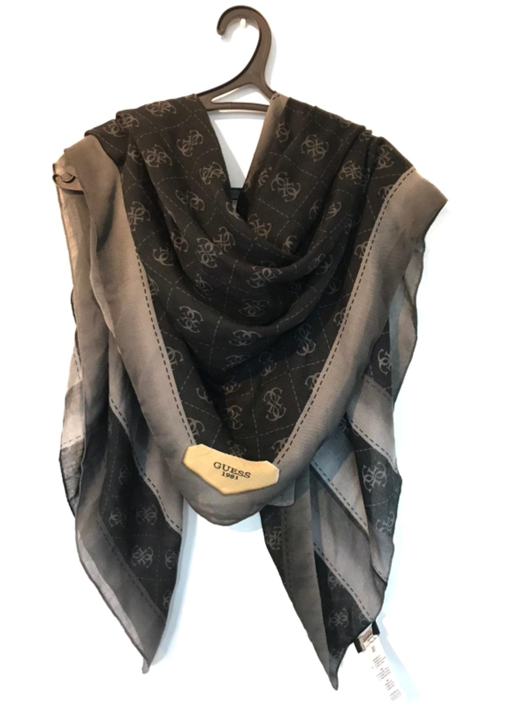 Women's scarves & shawls - GUESS photo 1