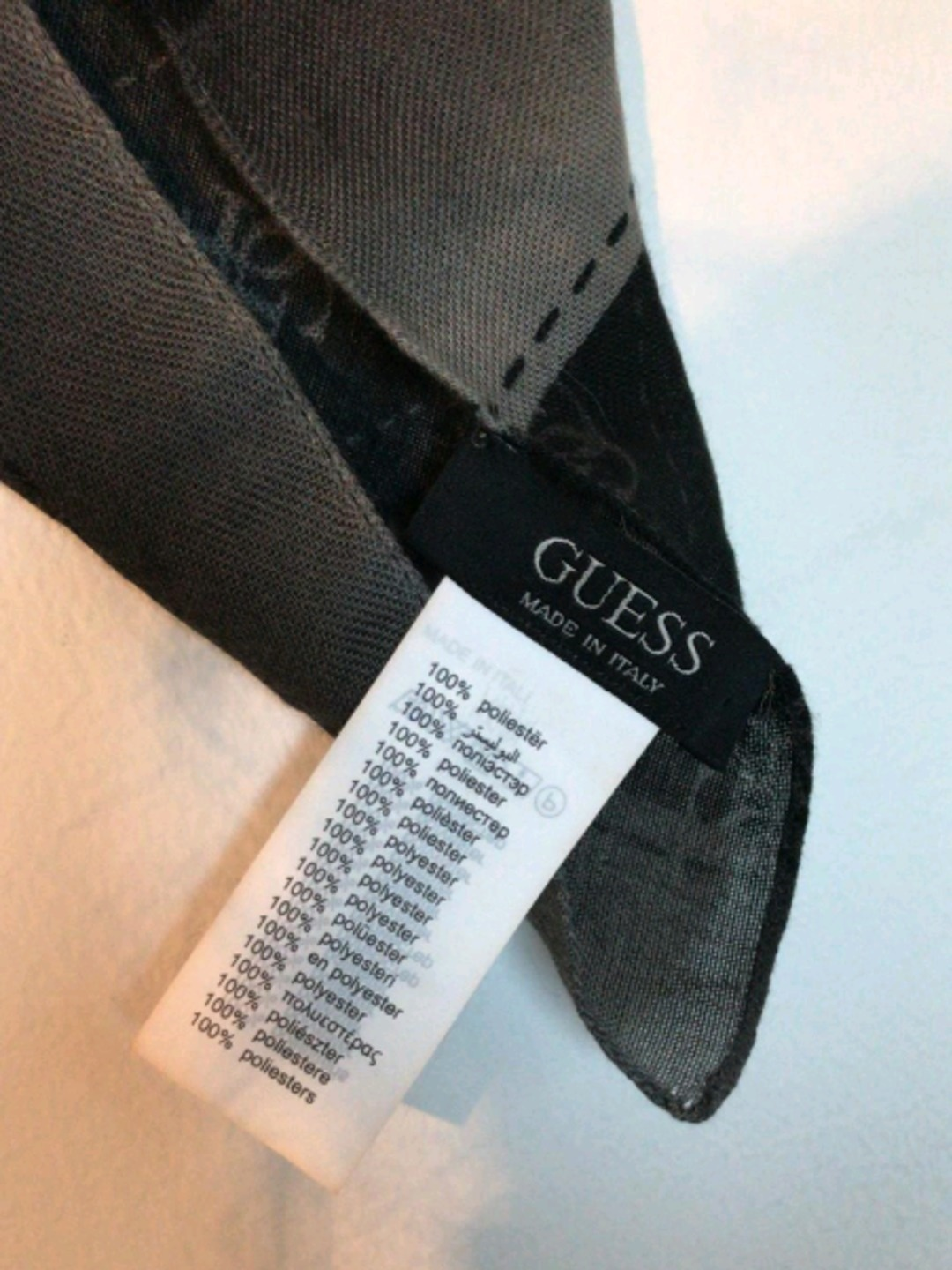 Women's scarves & shawls - GUESS photo 2