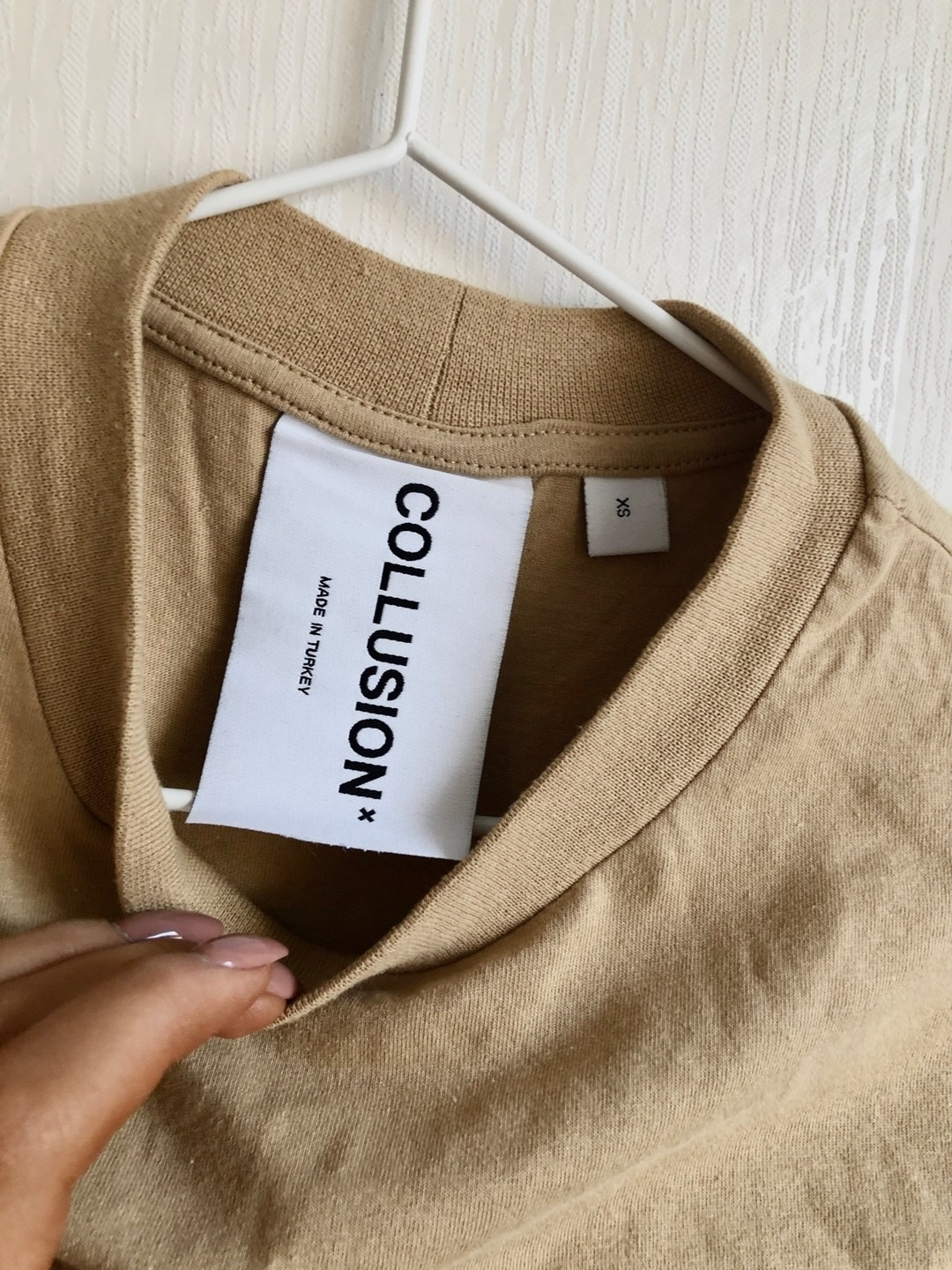 Women's tops & t-shirts - COLLUSION photo 2