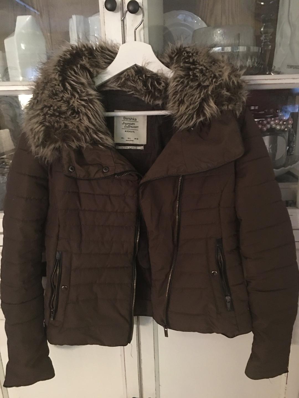 Women's coats & jackets - BERSHKA photo 1