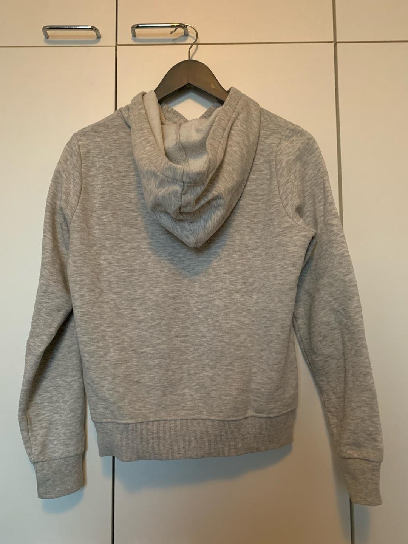 Women's hoodies & sweatshirts - GINA TRICOT photo 2