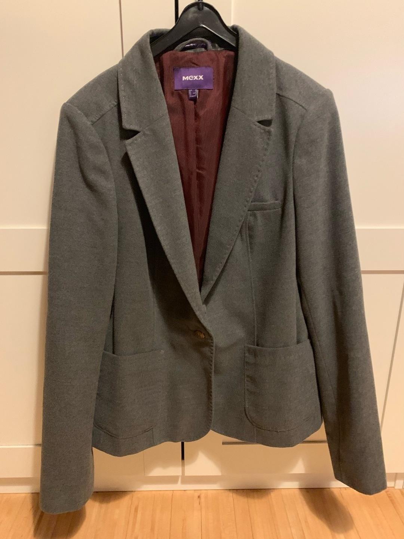 Women's blazers & suits - MEXX photo 1