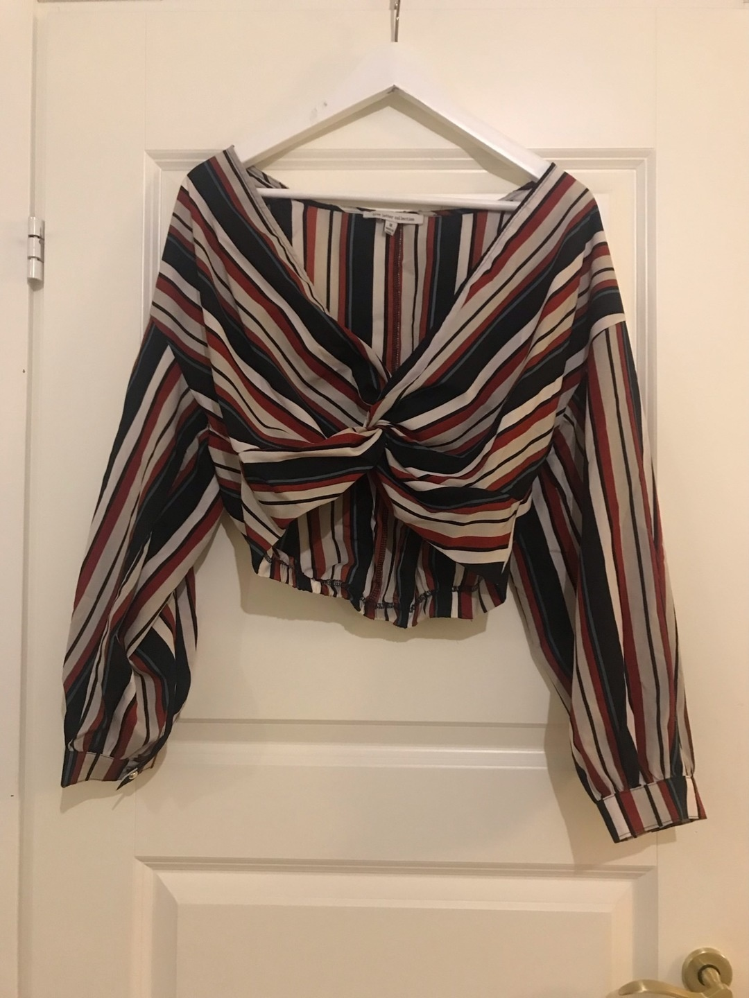 Women's blouses & shirts - FOREVER 21 photo 1