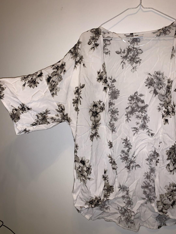 Women's blouses & shirts - CUBUS photo 2