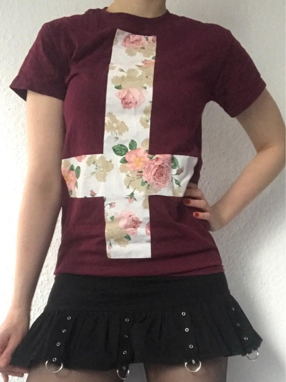 Women's blouses & shirts - EMP photo 1