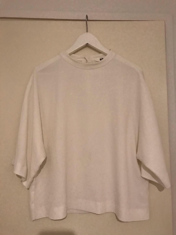 Women's blouses & shirts - UNIQLO photo 1