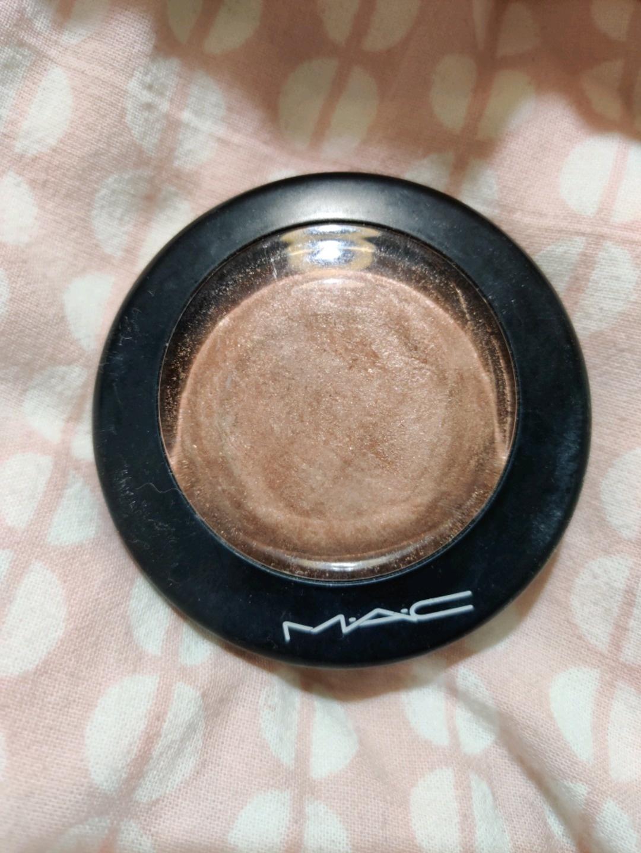 Women's cosmetics & beauty - MAC COSMETICS photo 1