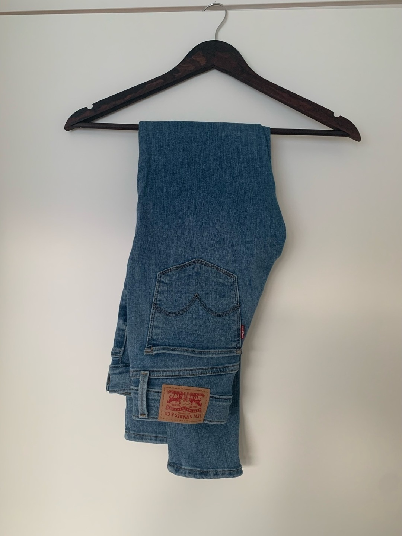 Women's trousers & jeans - LEVI'S 710 SUPER SKINNY photo 1