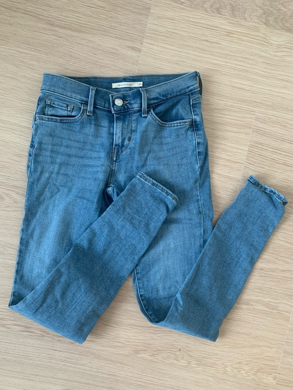 Women's trousers & jeans - LEVI'S 710 SUPER SKINNY photo 4