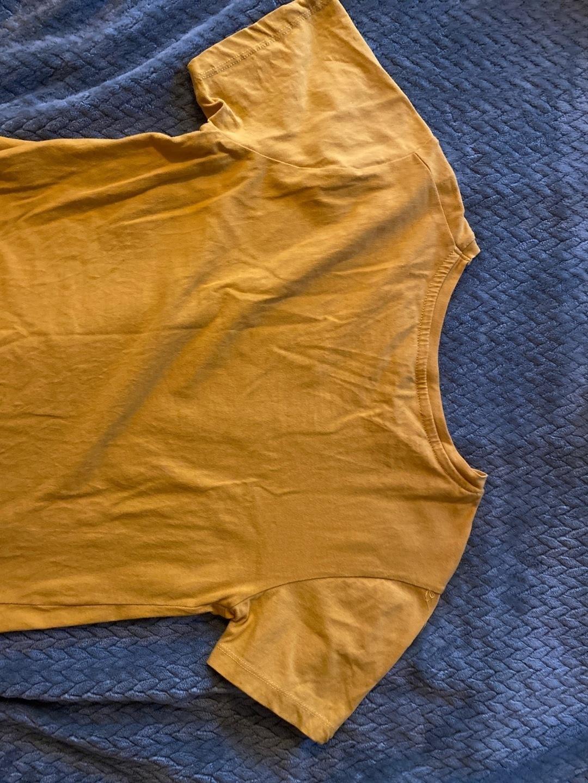 Naiset topit & t-paidat - STRADIVARIUS photo 2