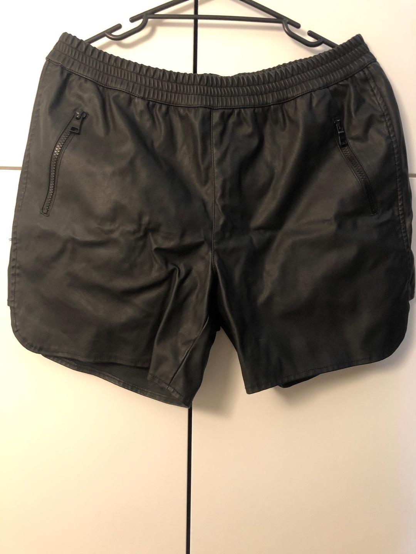 Women's shorts - VERO MODA photo 1
