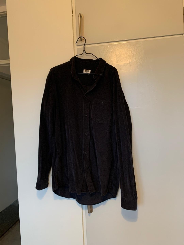 Damen blusen & t-shirts - WEEKDAY photo 1
