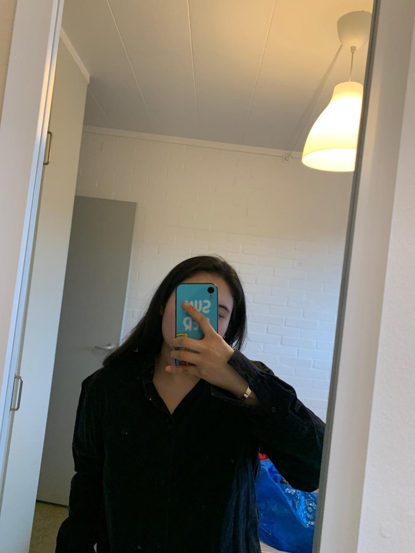 Damen blusen & t-shirts - WEEKDAY photo 4