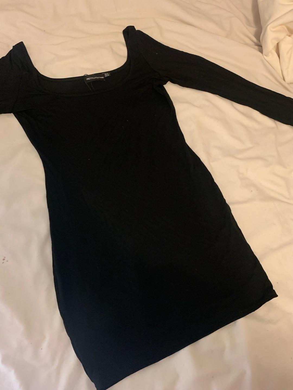 Damen kleider - PRETTYLITTLETHING photo 1