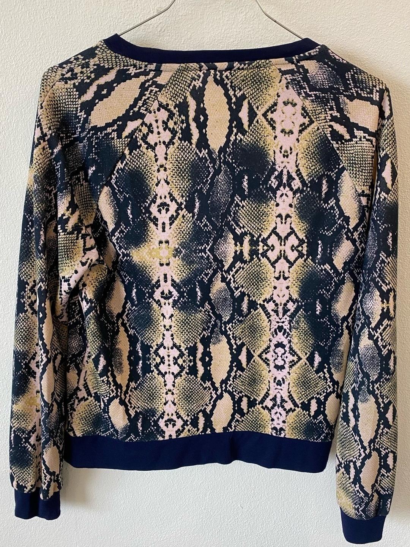 Women's hoodies & sweatshirts - BAUM UND PFERDGARTEN photo 2
