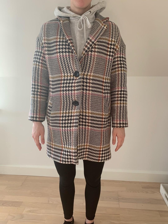 Damers frakker og jakker - STRADIVARUS photo 1