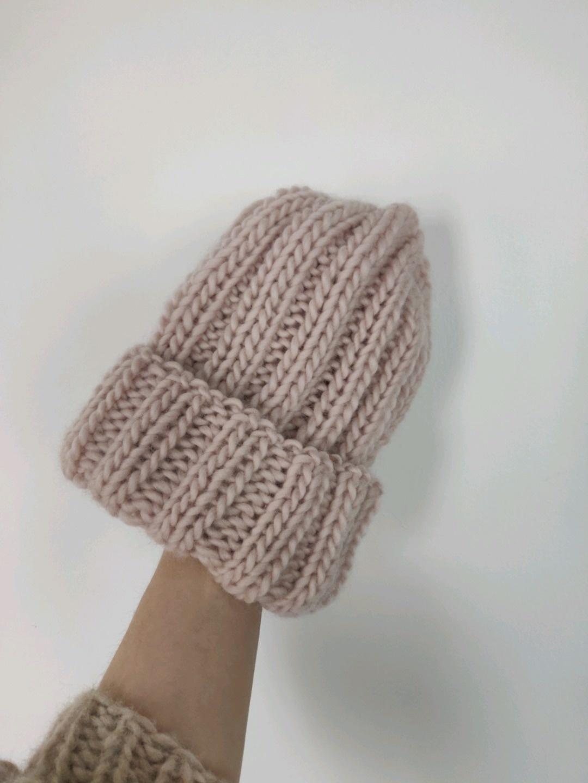 Women's hats & caps - - photo 1