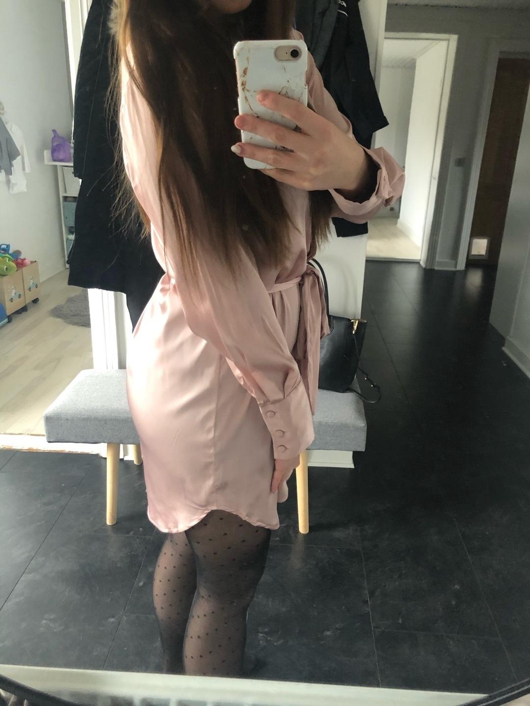 Women's dresses - VENDERBY'S photo 2