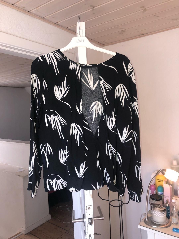 Women's blouses & shirts - JUST FEMALE photo 3