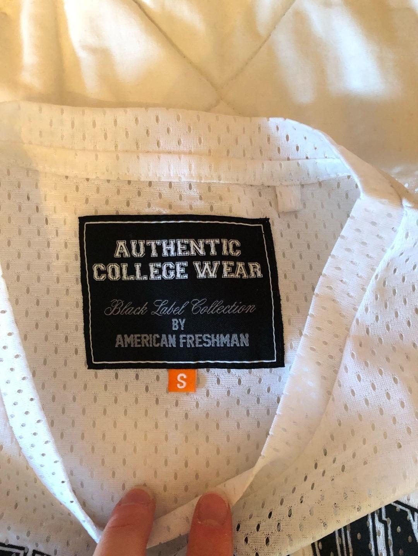 Women's tops & t-shirts - AMERICAN FRESHMAN photo 2