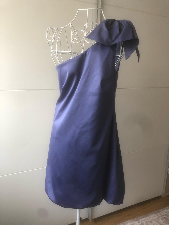Women's dresses - WAREHOUSE photo 1