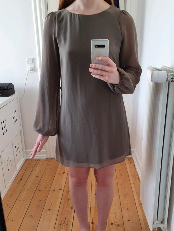 Women's dresses - ATMOSPHERE photo 1