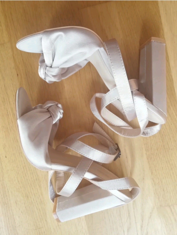 Women's heels & dress shoes - PUBLIC DESIRE photo 3