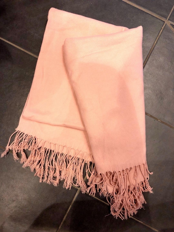 Women's scarves & shawls - H&M photo 1