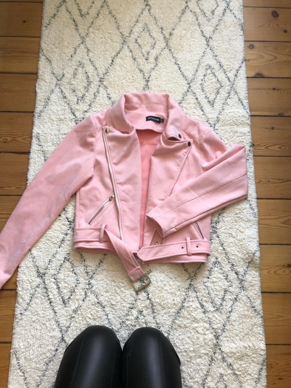 Women's coats & jackets - PRETTYLITLLETHING photo 1