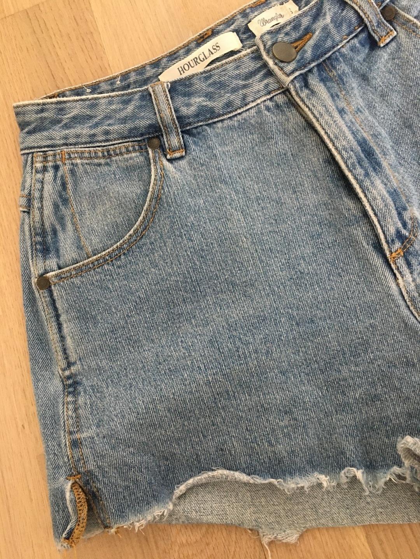 Women's shorts - HOURGLASS photo 3