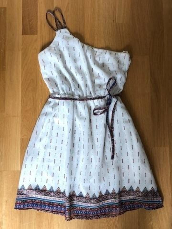 Damers kjoler - BERSHKA photo 1