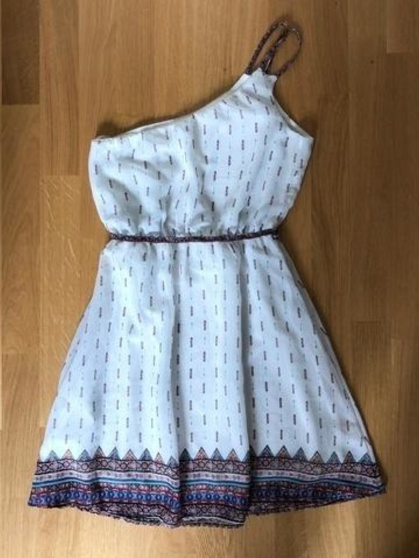 Damers kjoler - BERSHKA photo 2