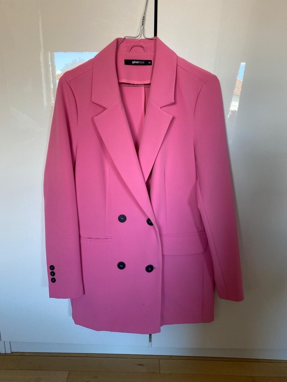 Damen blazer & anzüge - GINA TRICOT photo 1