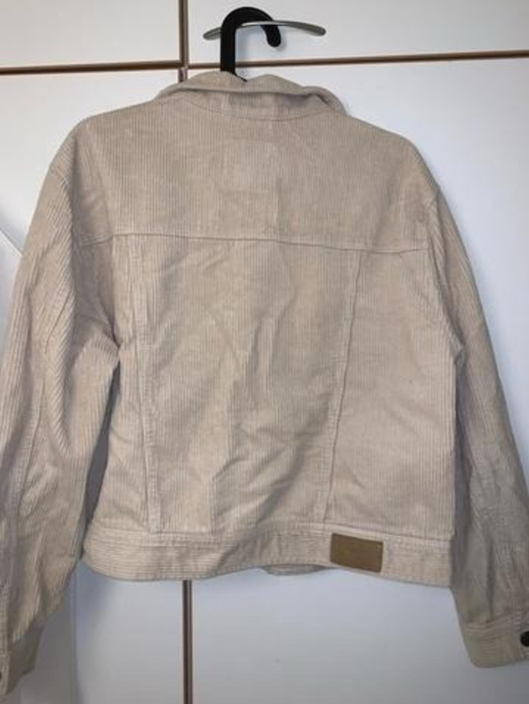 Women's coats & jackets - PULL&BEAR photo 2
