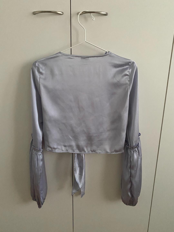 Damen blusen & t-shirts - GINA TRICOT photo 4