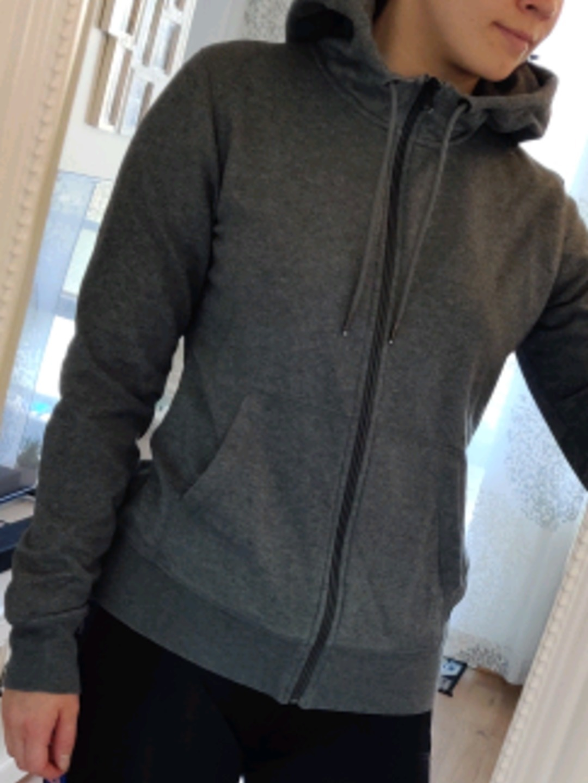 Women's hoodies & sweatshirts - ESSENTIALS photo 2