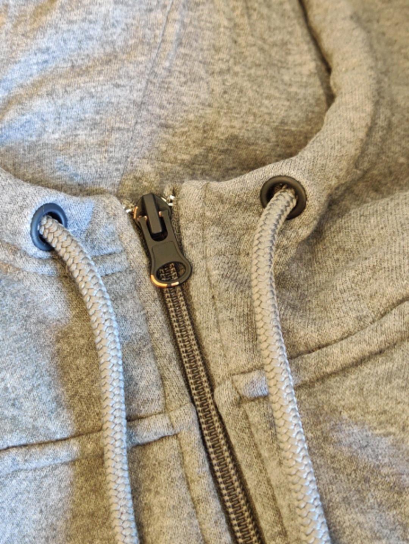 Women's hoodies & sweatshirts - ESSENTIALS photo 4