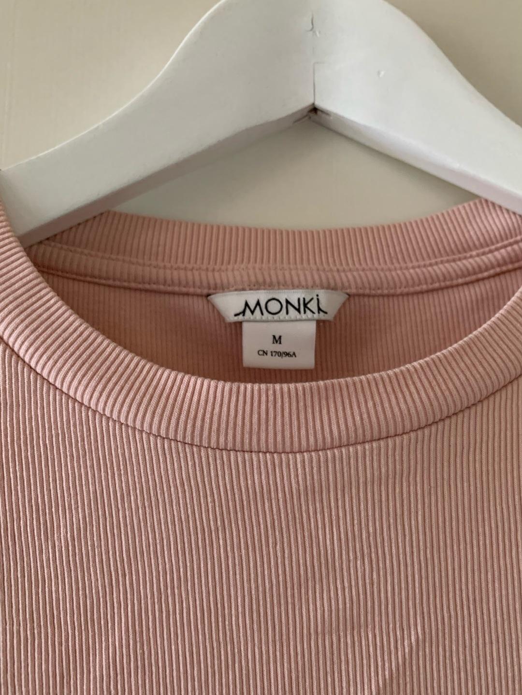 Women's tops & t-shirts - MONKI photo 2