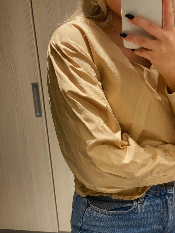 Damen blusen & t-shirts - RESERVED photo 2