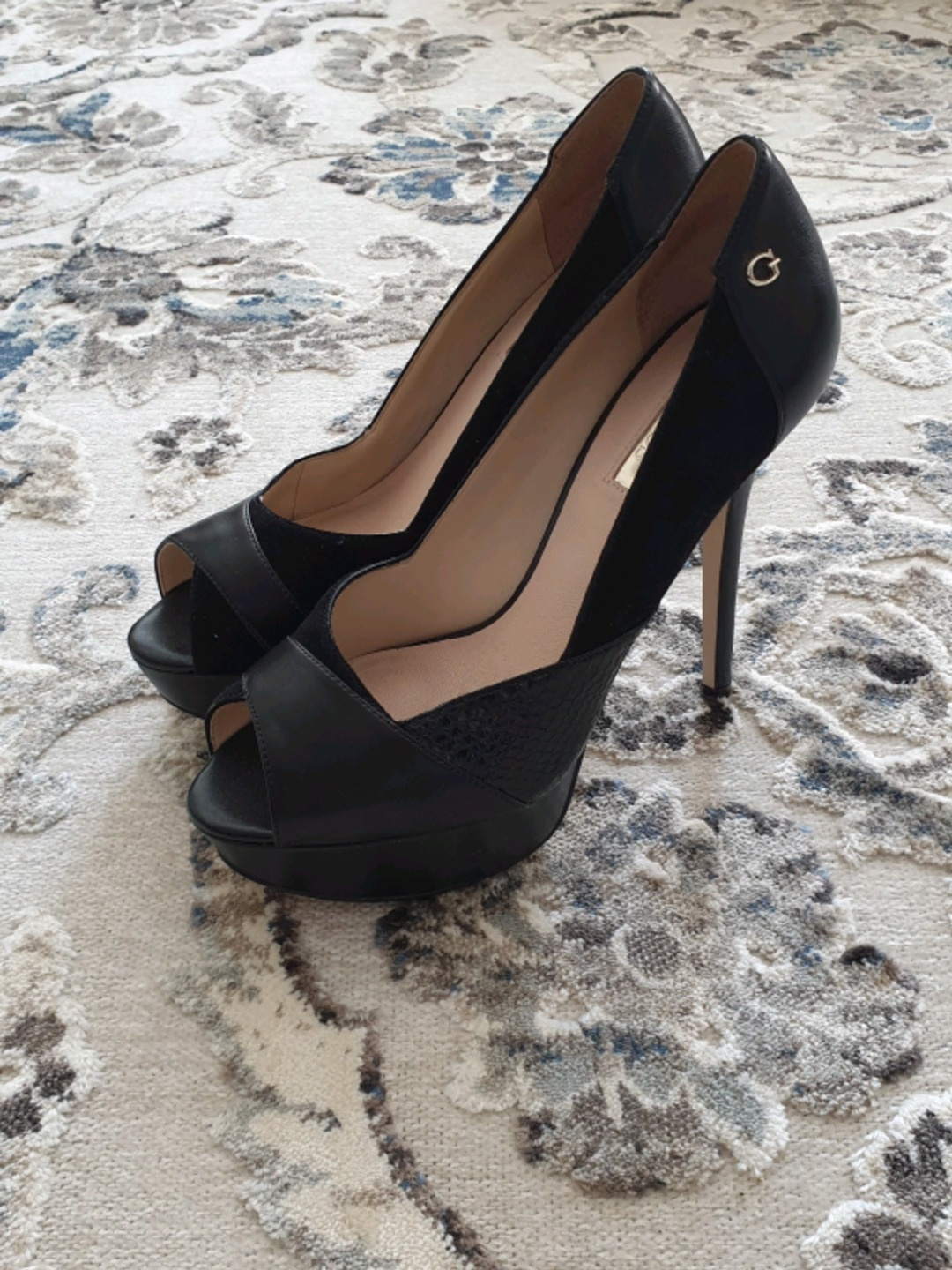 Women's heels & dress shoes - GUESS photo 1