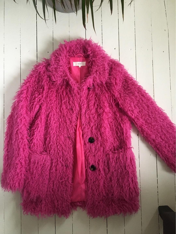 Naiset takit & jakut - ATHÉ photo 1
