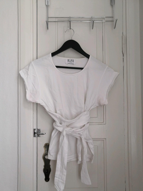 Damers toppe og t-shirts - R/H STUDIO photo 1