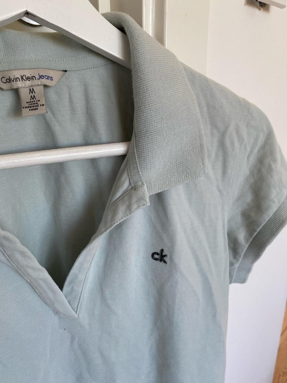 Women's tops & t-shirts - CALVIN KLEIN photo 1
