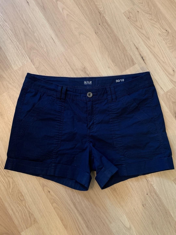 Damen shorts - A.N.A photo 1
