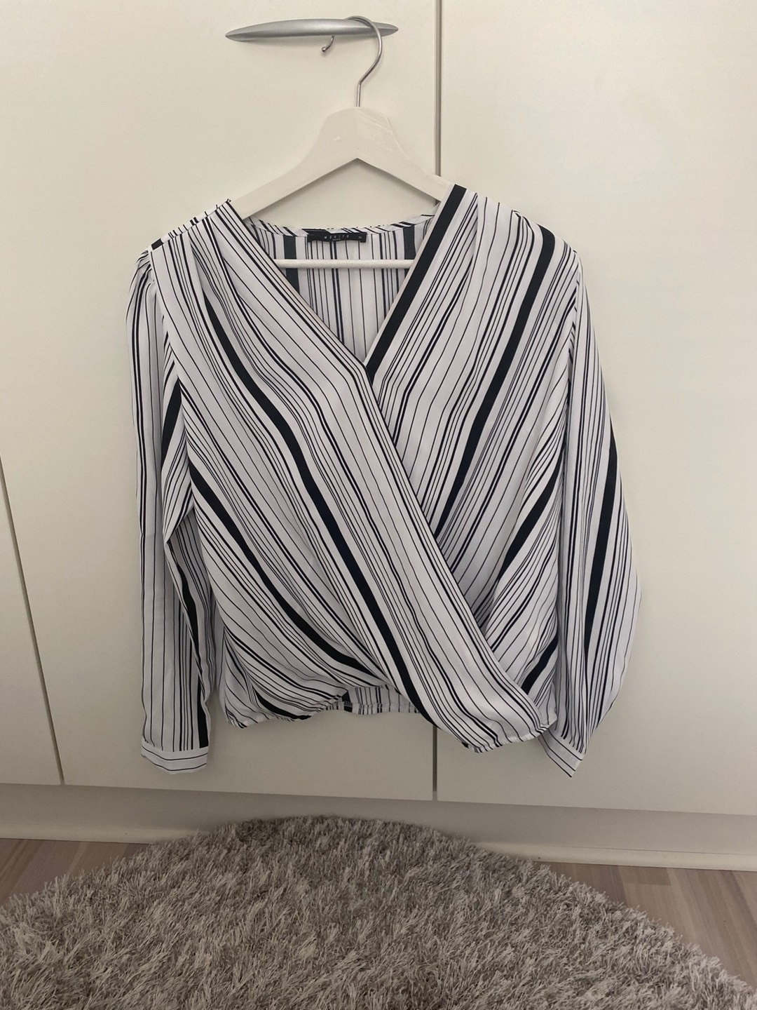 Women's blouses & shirts - MOHITO BASIC photo 1