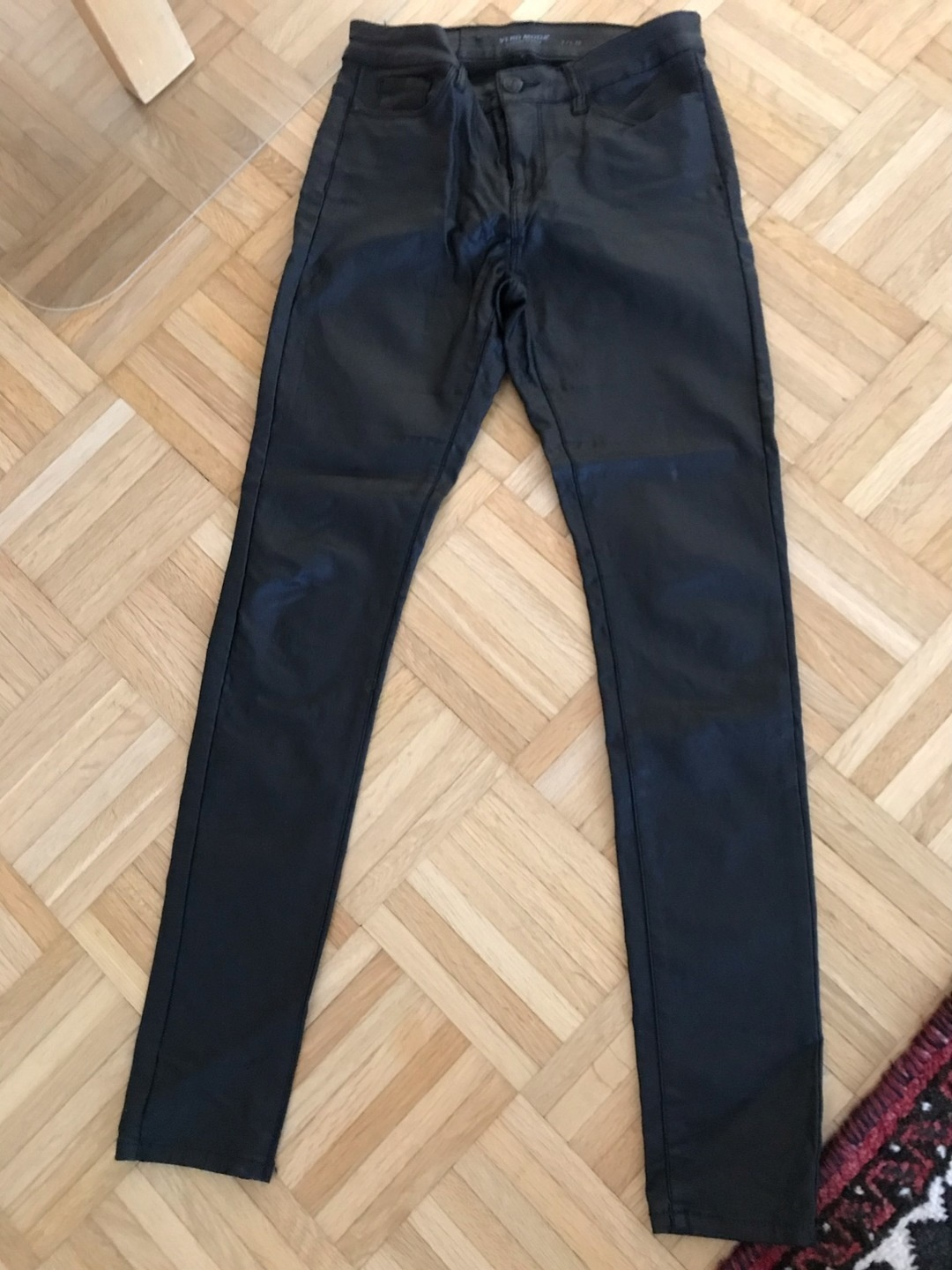 Women's trousers & jeans - VERO MODA photo 1