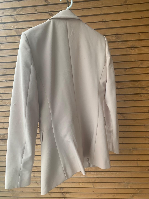 Damen blazer & anzüge - MANGO photo 3