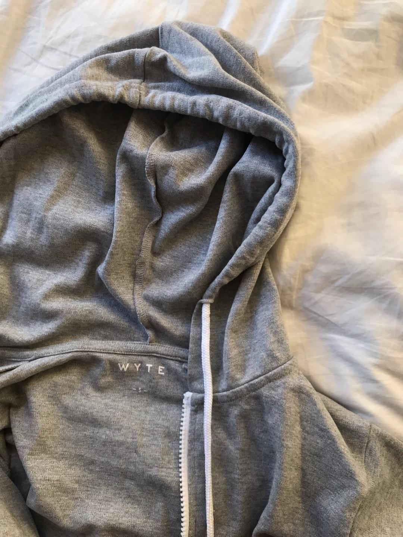 Women's hoodies & sweatshirts - WYTE photo 3